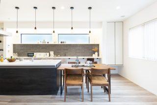 憧れキッチンを中心に仲間が集まる暮らし|富山・石川の新築・注文住宅ならオダケホーム